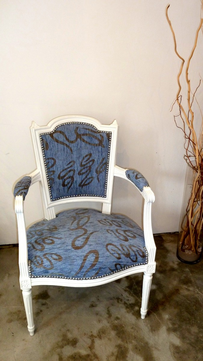 fauteuils cabriolet relookes vendre rose et bleu la belle assise. Black Bedroom Furniture Sets. Home Design Ideas